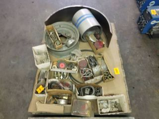 PAllET OF MISC INDUSTRIAl AND COMMERCIAl PARTS