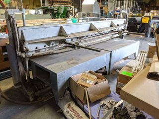 Wysong 10 Pneumatic Shearer  Does Not Come With Steel Tables In Front Of Shearer