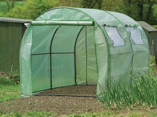 Gardman 7624 Poly Tunnel with Reinforced Cover and Windows