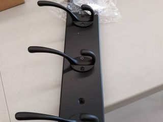 10 hook coat hanger black