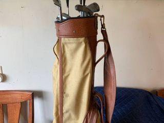 Vintage Set of Golf Clubs With Bag location Storage