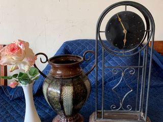 Clock Urn and Vase lot location Storage