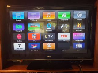 lG 32 Inch Flat Screen Tv  Tested and Working  with Remote