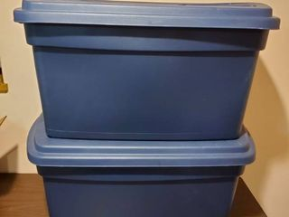 Navy Blue Rubbermaid Totes with lids