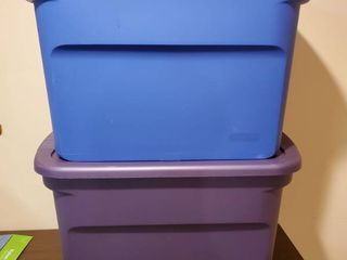 lot of 2 Steralite Totes   Blue and Purple
