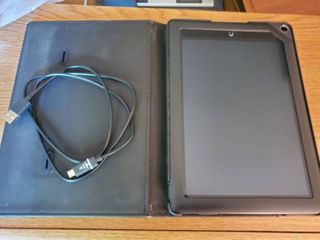 large Barnes and Noble Nook Powers On  with Case