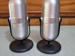 lot of 2 Mini Vintage Microphone Portable Speakers