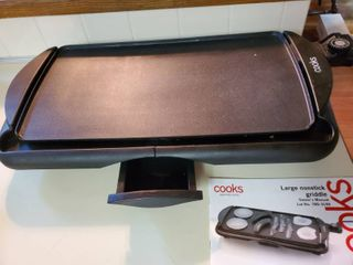 COOKS large Nonstick Griddle Tested and Working