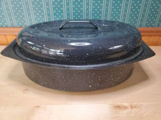 Speckled Tin Pot with lid