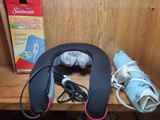 Shiatsu Heat and Neck Messager  with Heating Pad  Tested and Working