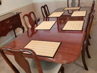 Amazing Ethan Allen Knob Creek Collection Cherry Dining Room Table and 6 Chairs With 2 leaves  Place mats Sold Separately
