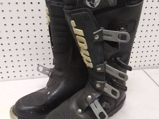 Pair of Thor l23 Riding Boots Size 11