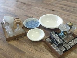 lot of Assorted Glass Home Decor Items