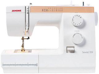 Janome Sewist 709 Mechanical Sewing Machine   16 x 12 x 7  Retail 244 49