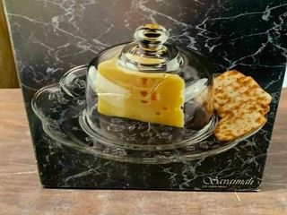 Cheese and cracker plate with dome