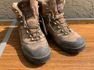 Montrail Gore Tex Size 10 Boots location Shelf 6