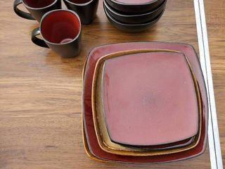 16 Piece Better Homes Dishes   Red   Black Accent