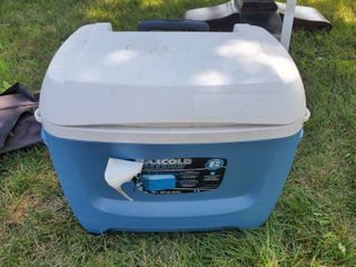 Blue and White IGlOO Cooler with Wheels and Drain Spout