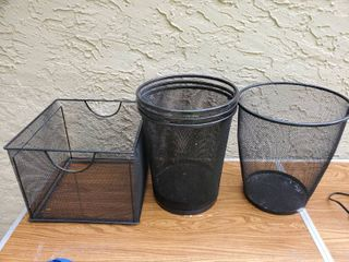 lot of 4 BlackMetal Wire Office Decor  4 Trashcans  1 Filing Basket