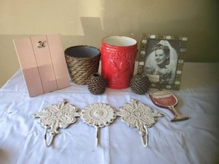 lot of Wine Whisper Decor lot