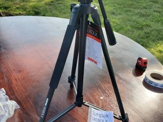 Sunpak Tripod with Small level and Extension Feet