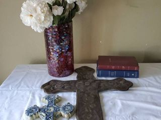 lot of Religious Decor   2 Bibles