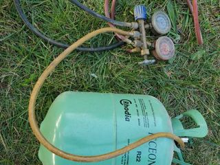 R22 Refrigerant Tank woth hoses and Gauges
