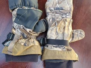 Cabela Camo Gloves