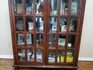 Mahogany Beveled 2 Door Glass Dispaly Hutch   Contents Not Included