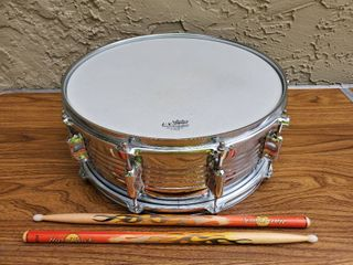 Remo Drum with 2 Sticks