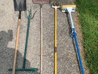 lot of 4 Garden Tools and 1 Mop