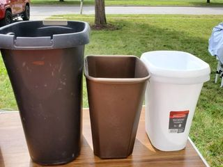 lot of 4 Small Waste Baskets
