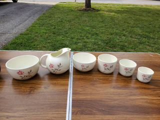 6 Pieces from the Ballerina Collection   Nesting Bowls and Pitcher