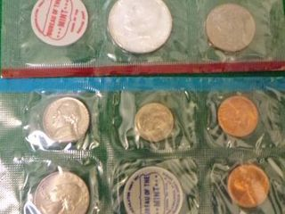 1968 UNCIRCUlATED COIN SET  P AND D