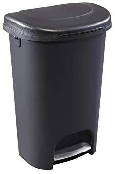 Rubbermaid NEW 2019 VERSION Step On lid Trash Can for Home  Kitchen  and Bathroom Garbage  13 Gallon  Black   DOESNT ClOSE All THE WAY