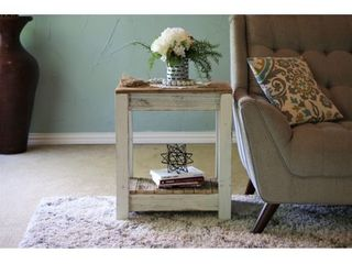 Combo End Table  Retail 146 99
