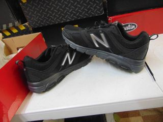 New Balance   Runners course   Mens 9   Missing loop   Pictured