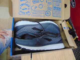 Brooks Ghost 12   mens 11 Wide 2E