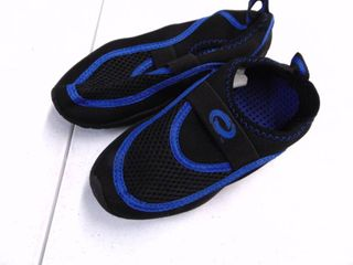 Orageous Water Shoes - Children Boys Size 12