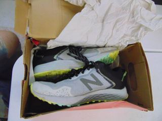 New Balance Trail Running shoes   Womens 9