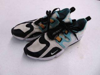 Nike Air Max - Womens 7.5