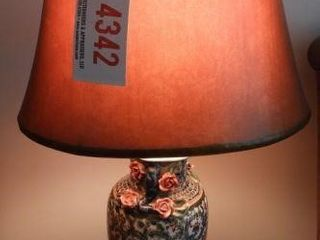 Lot #4342 - Oriental font table lamp
