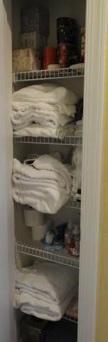 Lot #4353 - Large Qty of bath linens, towels,