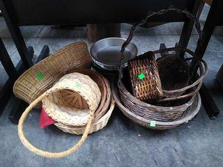 Misc Wicker Baskets & Pie Pans