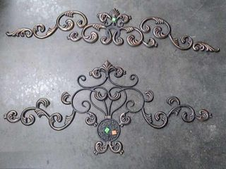 2 Pieces Of Metal Wall Decoration