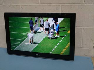 "LG 26"" Commercial HD LCD Television / TV / Display / Monitor Model 26LD352C"