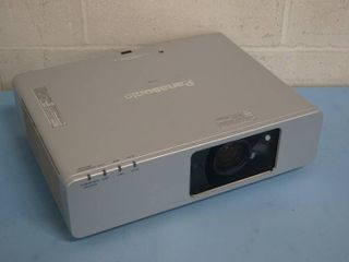 Panasonic PT-F200 3500 Lumen XGA Multi-Media Computer / Video LCD Projector