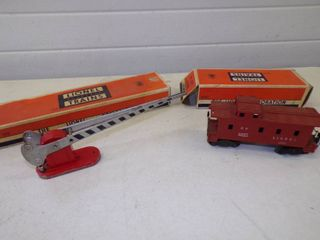 Vintage Lionel Caboose #6257 and Automatic Crossing Gate #152