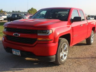 1296 MN AUTO AUCTIONS- 2016 Chevrolet Silverado Custom Double Cab 4x4 - $195 FLAT RATE TC METRO DELIVERY