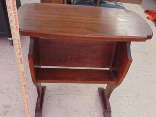 wooden end table w shelf